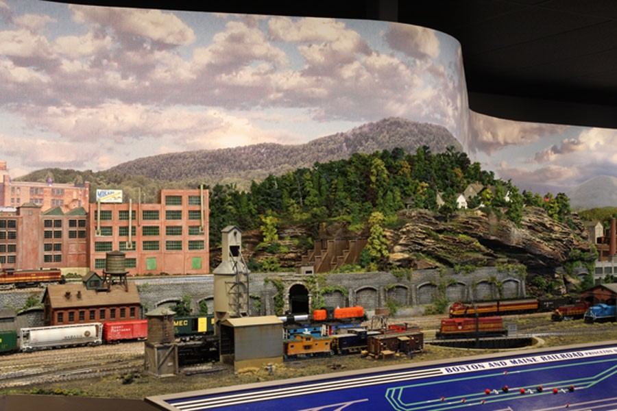 BOSTON AND MAINE RAILROAD_MODEL TRAINS