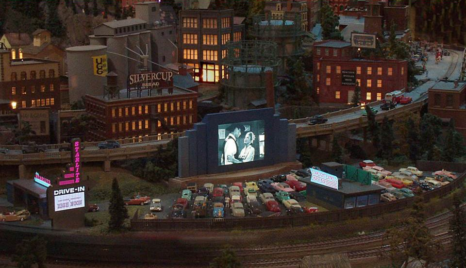 drive in theater_custom model railroads