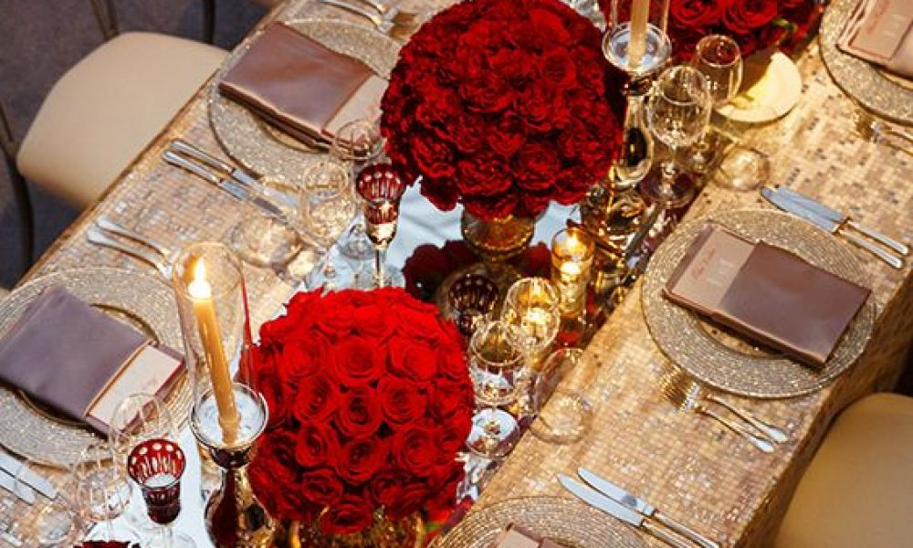 Atrévete a decorar tu boda de color rojo