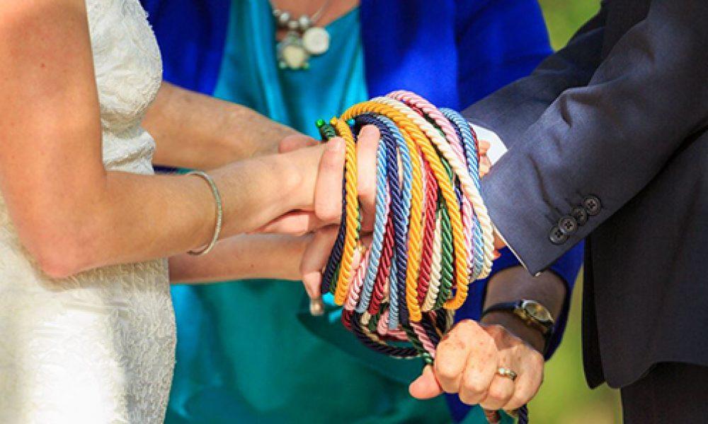 Handfasting: la ceremonia ritual de la unión de manos