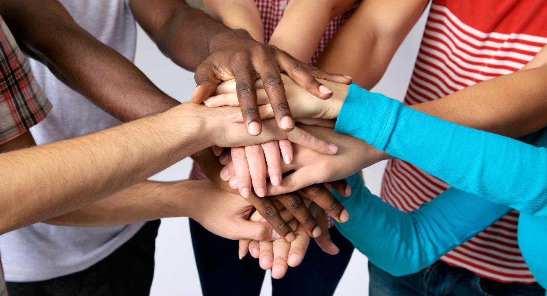 mains-solidarite