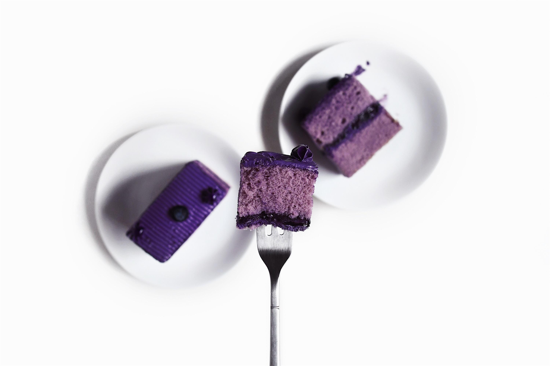Ultra-Violet-Pantone-2018-Food-on-Fork