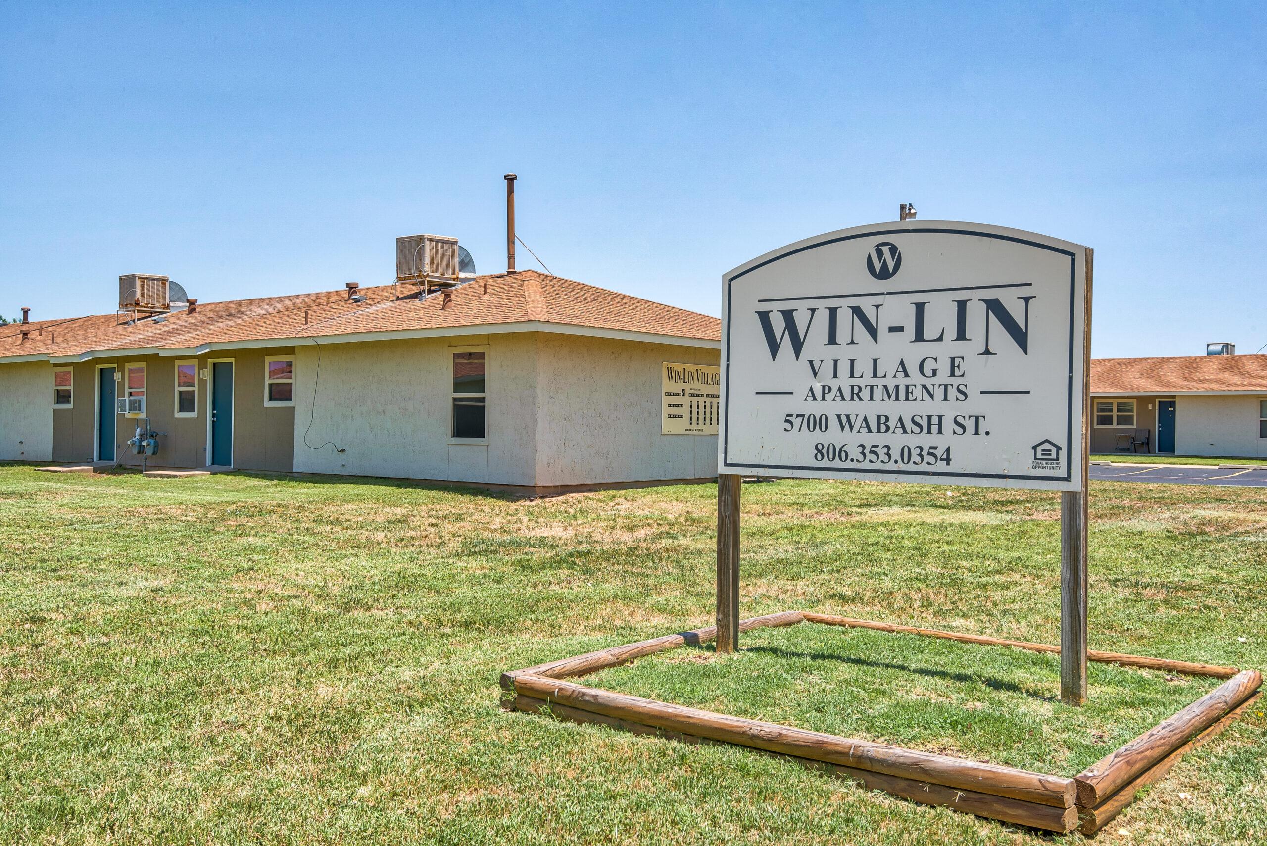 Front-Property-Sign_5700-WABASH-ST-AMARILLO-TX_WIN-LIN-VILLAGE_RPI_II-315392-13
