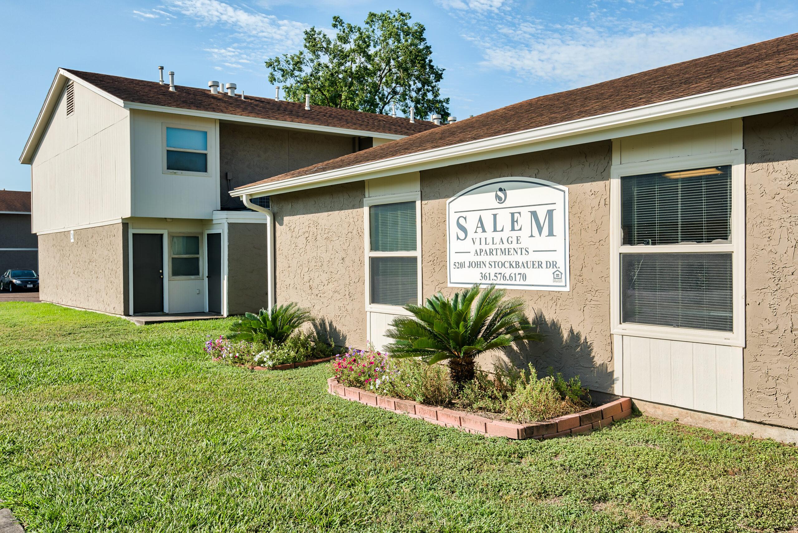 Front-Property-Sign_Salem-Village_5201-John-Stockbauer-DR-Victoria-TX-77904_RPI_II-315352-27