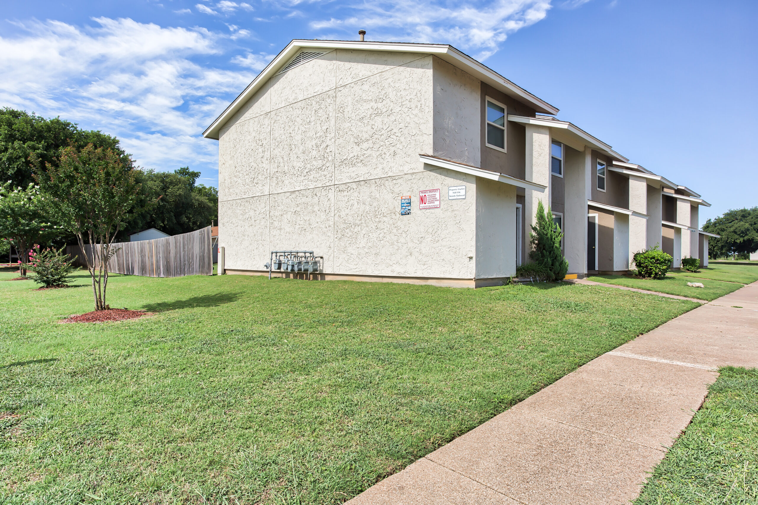 Front of Community_6555_Sheridan_Cirft_Worth_TX_Peppertree-Acres_RPI_II-315357-24