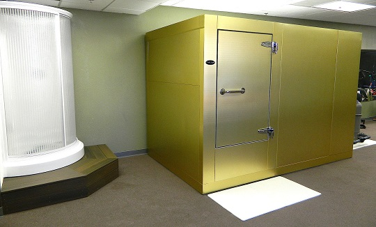 Location: Arizona  Size: 6′ x 10′  Color: Brite Brushed Gold