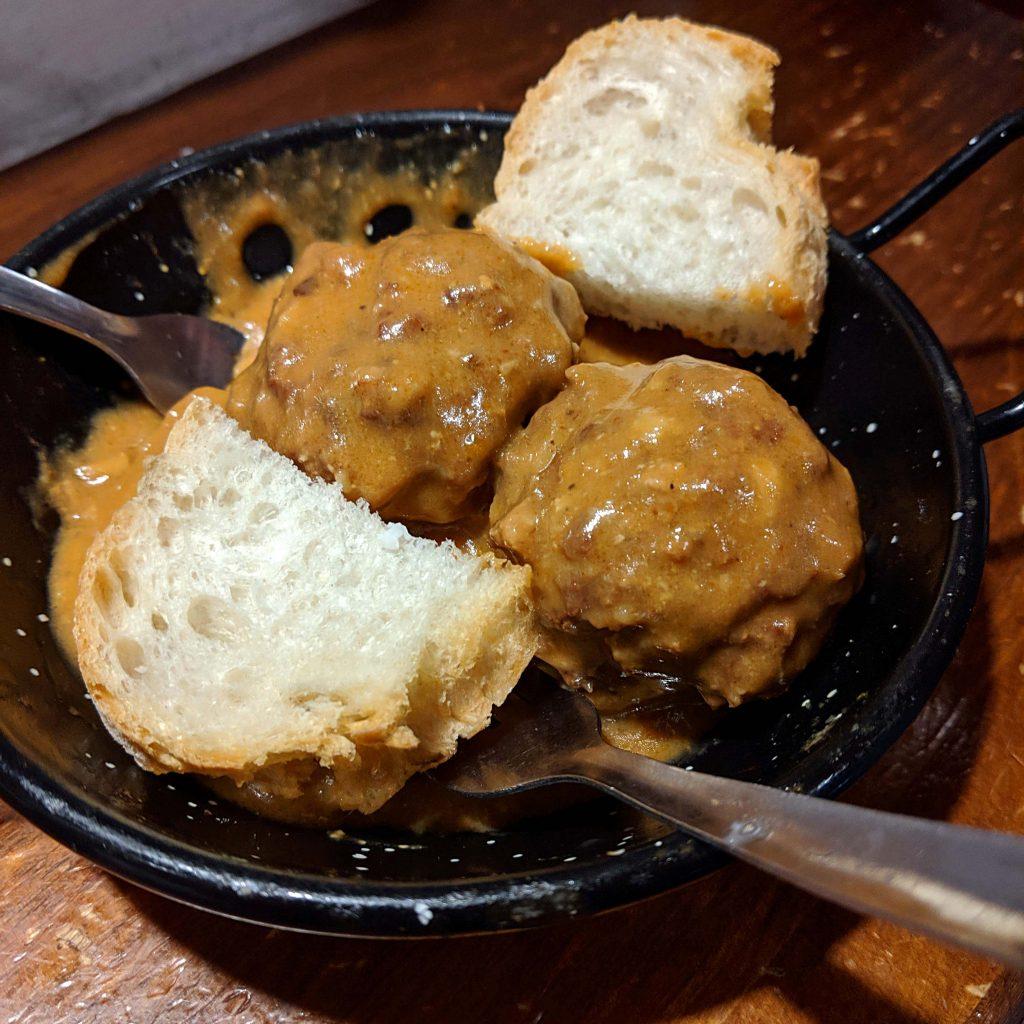 meat balls tapa