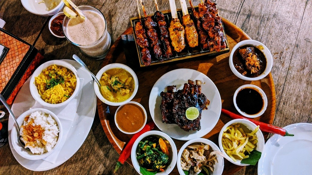 where-to-eat-in-seminyak