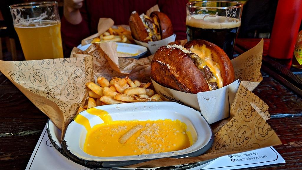epic-cheeseburger-cafe