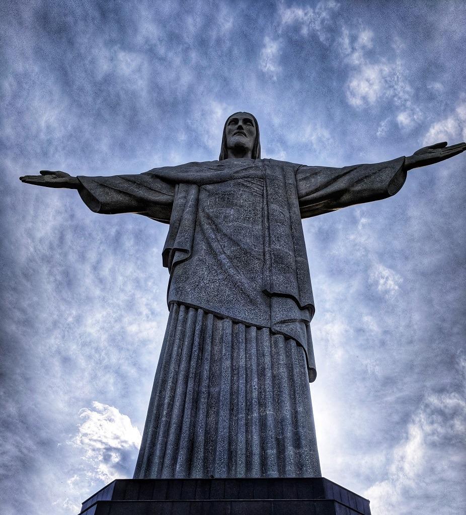 visiting-christ-the-redeemer-from-copacabana