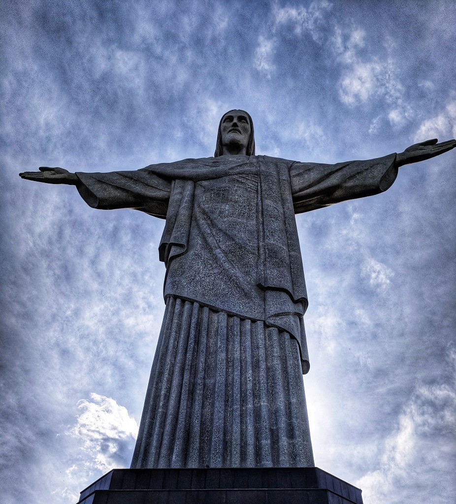 visiting-christ-the-redeemer-from-copacabana