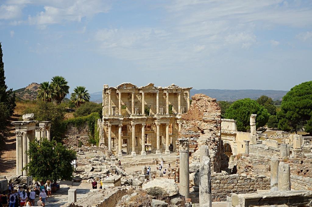 visiting-ephesus-and-the-temple-of-artemis-seljuk-turkey