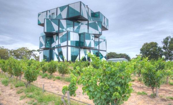 wine-tasting-in-mclaren-vale