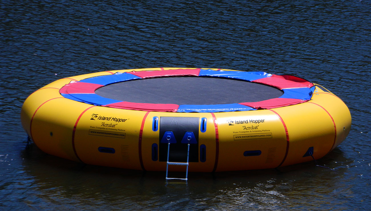 Island Hopper Acrobat Water Trampoline