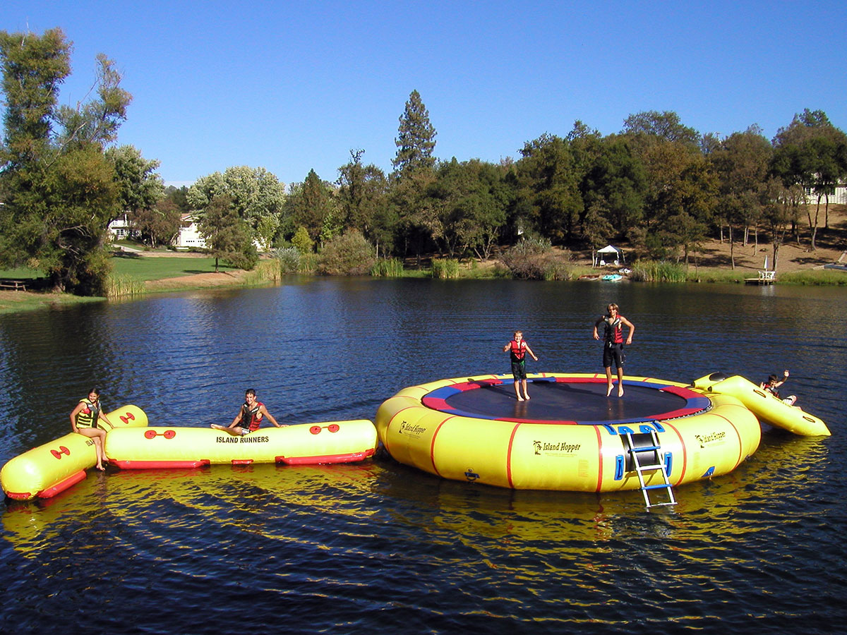 25 foot Island Hopper Giant Jump Water Trampoline with T Runner