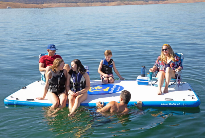 island buddy party float