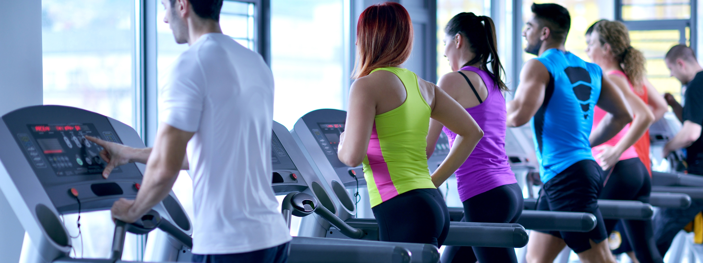 people using treadmills at gym in new jersey