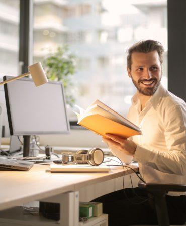 adult-blur-businessman-927022-370x450