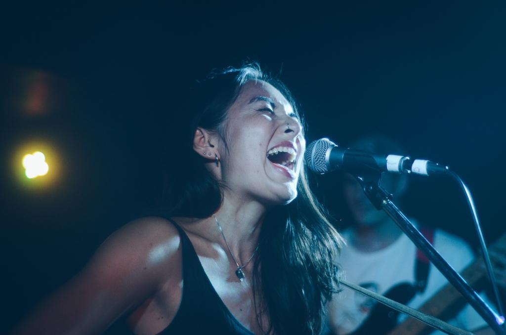 Singer Songwriter, Deena Lynch of Deena