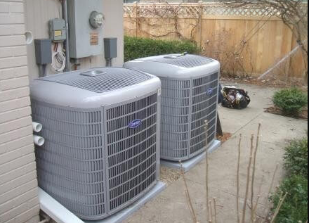 trained AC cleaning technicians