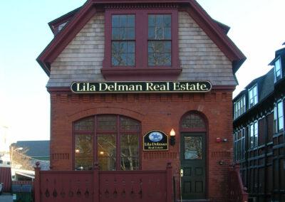 Lila-Delman-Real Estate-a4-architecture-newport-ri-front-porch