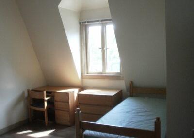 a4-architecture-salve-regina-dorm-exterior-bedroom-single