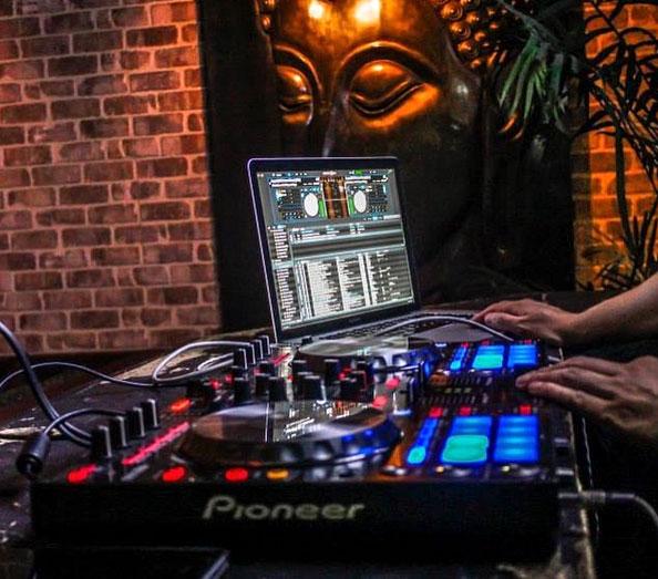 Dj playing at Glendale Hookah Lounge
