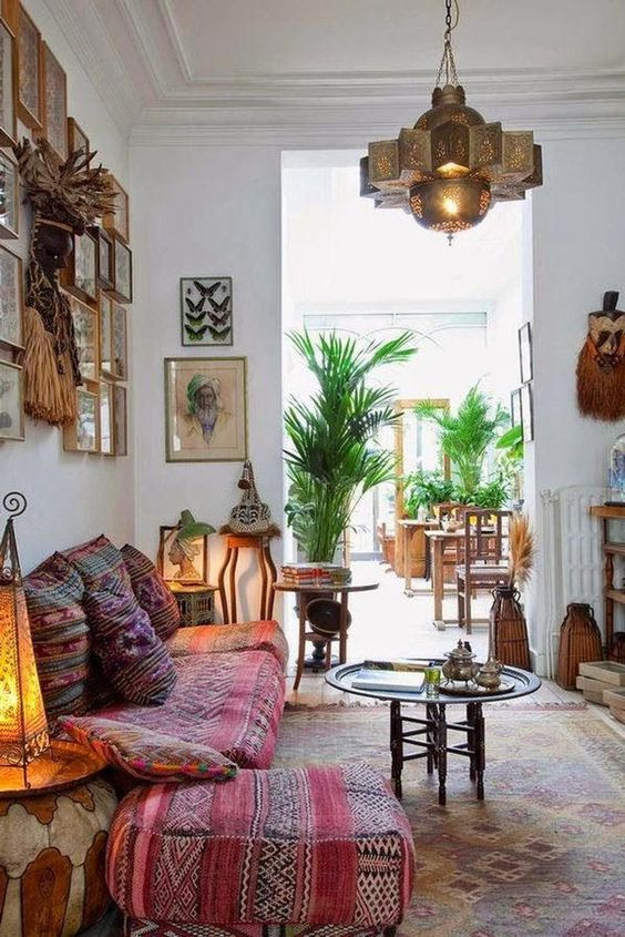 Why Floor Pillows Are Part Of The Arabic Style Of Decorating