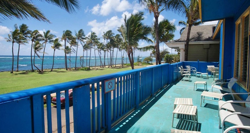 Kauai Beach House Oceanfront Hostel