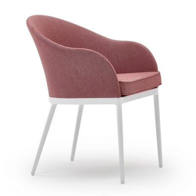 Saia Armchair with Pad