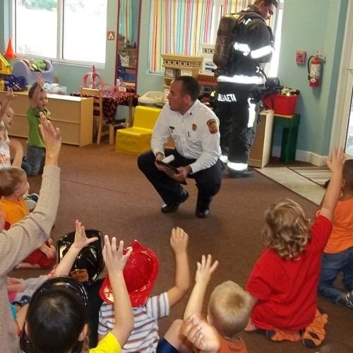 cop-visiting-classroom