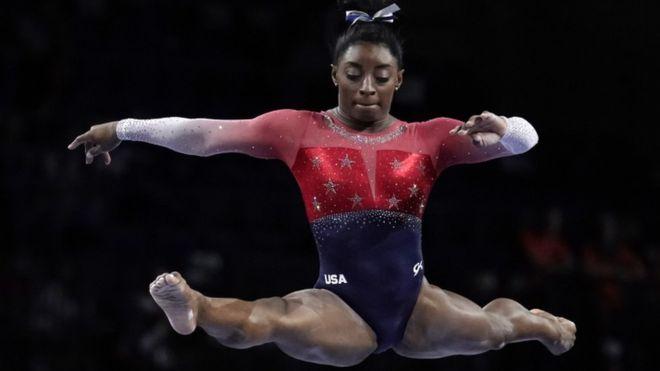 Simone Biles es la gimnasta con más medallas en la historia de los mundiales de la especialidad