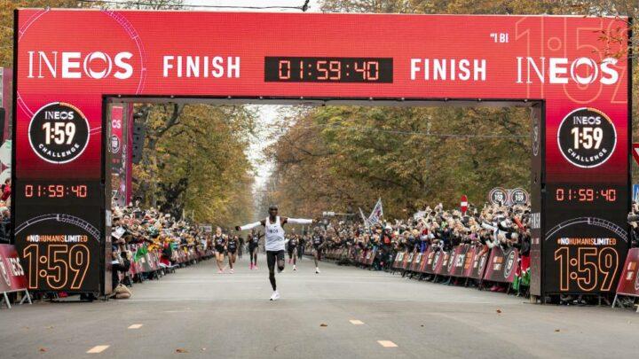Eliud Kipchoge, primer atleta que baja de las dos horas en un maratón