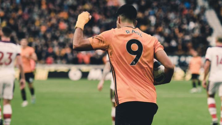 Wolves y Raúl Jiménez, con el liderato en mente en Europa League
