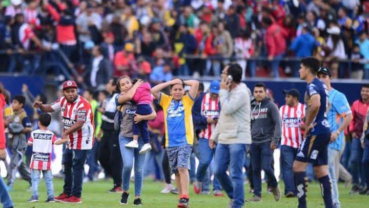 San Luis recibió a aficionada agredida durante juego contra Gallos
