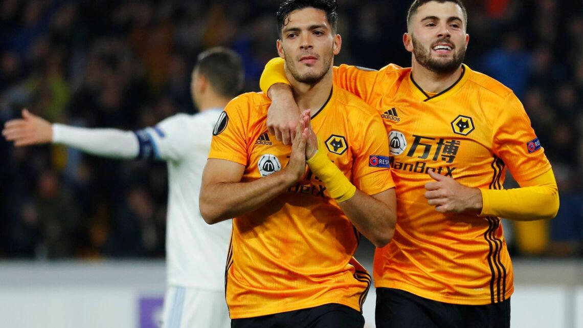 Raúl Jiménez marcó en la Europa League; su gol le dio el triunfo a los Wolves