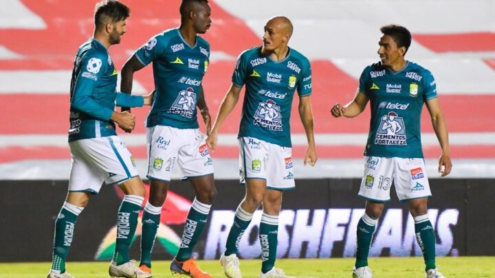 León derrotó 2-3 a Gallos en el estadio Corregidora