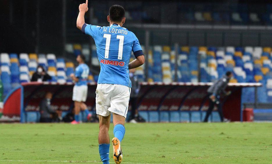 «Chucky» Lozano marcó dos tantos en la goleada del Napoli al Genoa