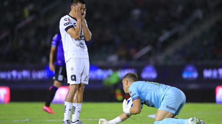 Mazatlán goleó a Gallos