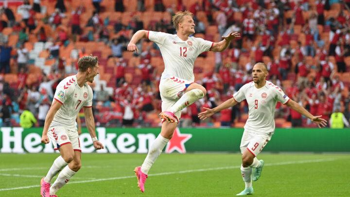Dinamarca goleó a Gales