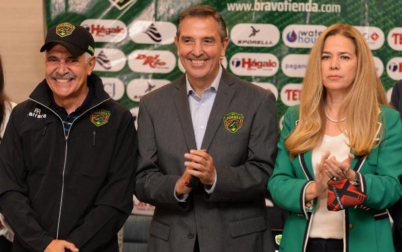 Juárez presentó al «Tuca» Ferretti como su nuevo entrenador