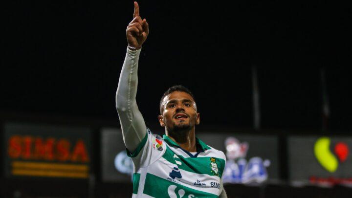 Santos le sacó el empate a Puebla