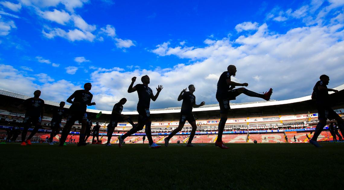 Cofece multa a 17 clubes de la Liga MX