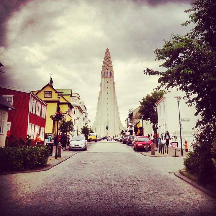 Iceland Journey Part 1/7 – Light & Easy