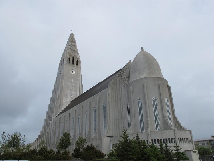 Miss Wanderlust takes Reykjavik, Iceland!