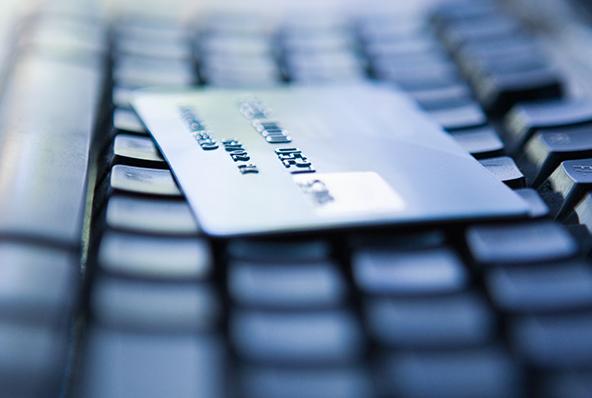 Managing E-Commerce Customer Service Access