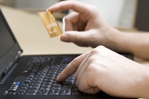 Managing Credit Card Processing Risk in an E-Commerce Start-Up