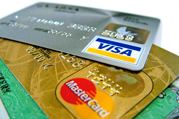 U.S. Credit Card Defaults Drop to 16-Month Low in July