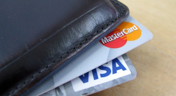 Cash-Back Rewards Cause Americans to Get Deeper into Credit Card Debt