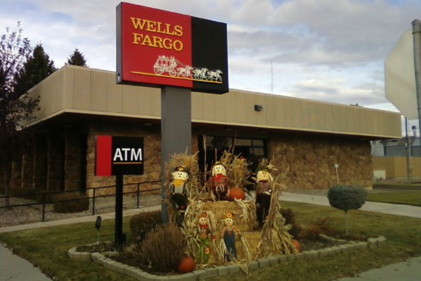 Wells Fargo to Test Chip and PIN Credit Cards